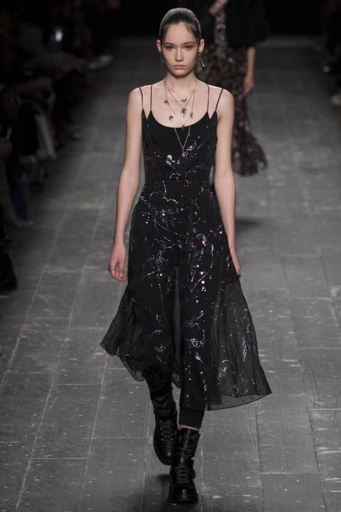 Valentino Fall 2016 Fashion Show