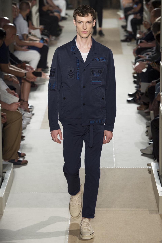 Valentino Menswear Spring 2017 Fashion Show
