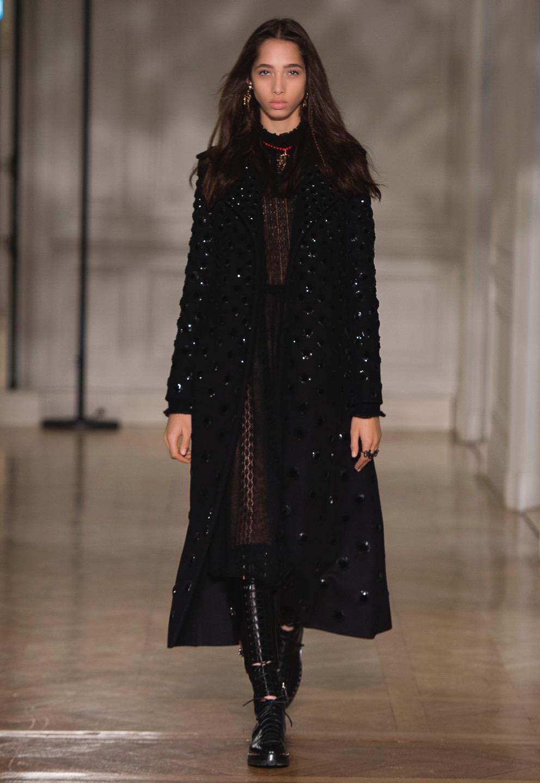 Valentino Fall 2017 Fashion Show